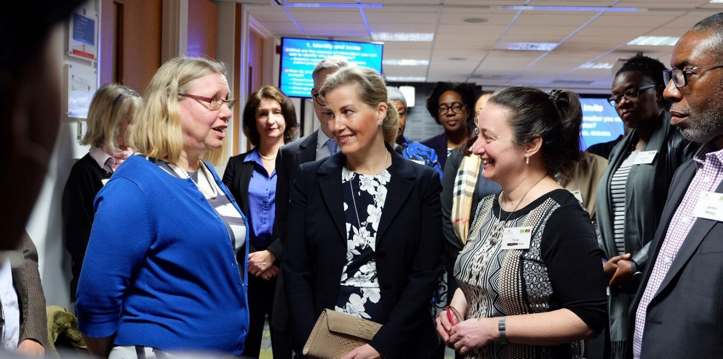 The Countess performed simulated cataract surgery on model eyes during the event, which brought together eye health experts from around the Commonwealth.