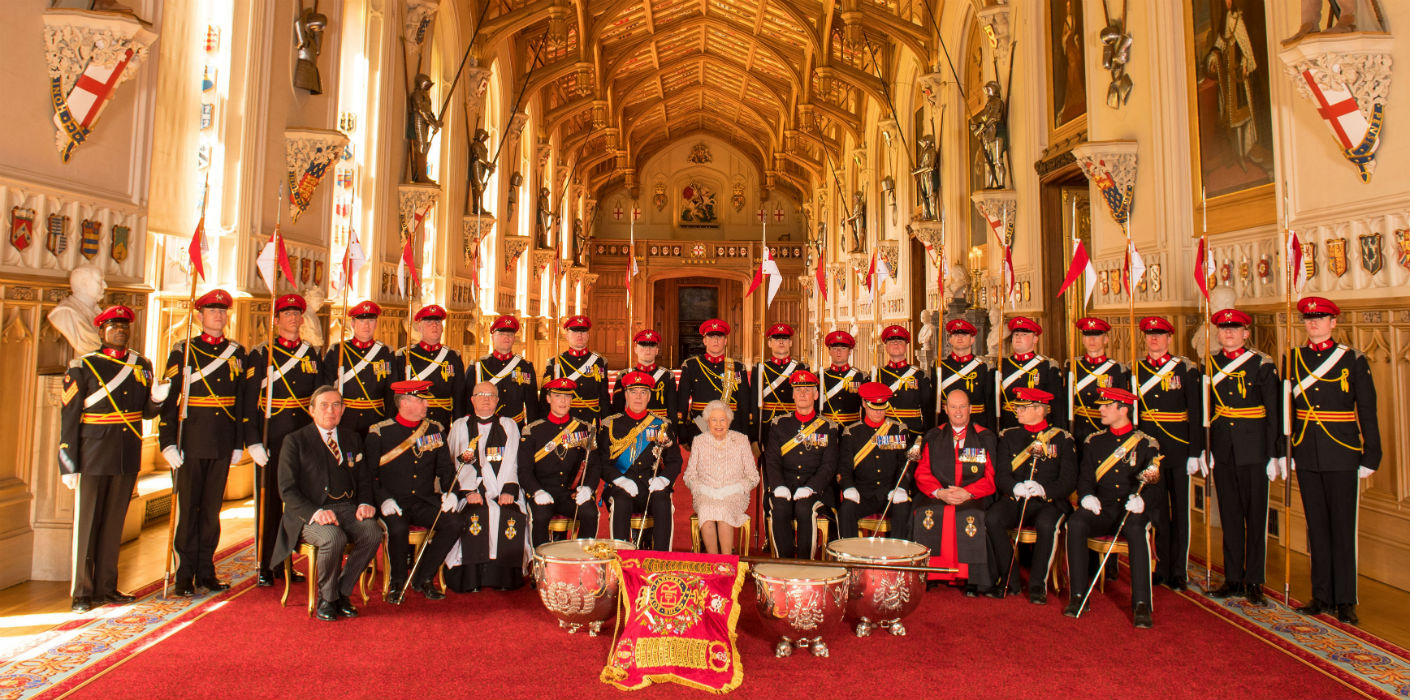 the queen presents a guidon to the royal lancers at windsor castle