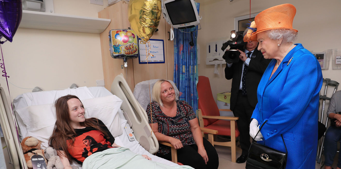 The Queen visits Royal Manchester Children's Hospital after the Manchester Attacks on 25 May 2017