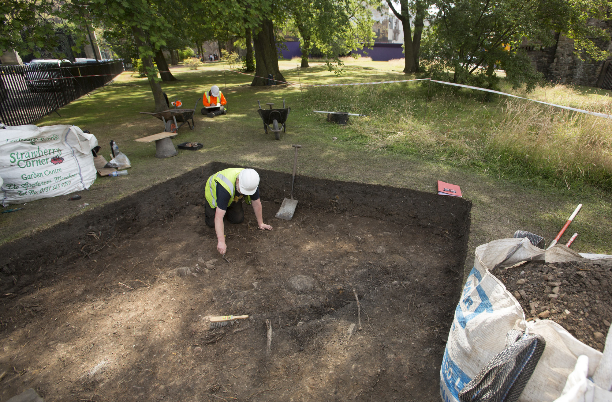 Archaeologists working at the Palace of Holyroodhouse