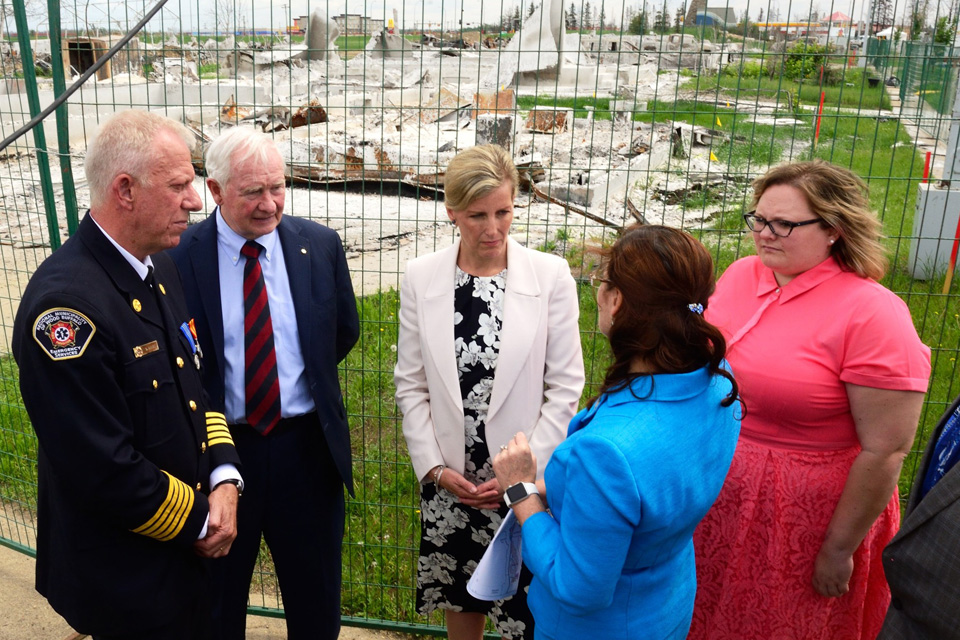 The Countess of Wessex sees damage caused by recent wildfires. Photo: Sgt Ronald Duchesne, Rideau Hall (2016)