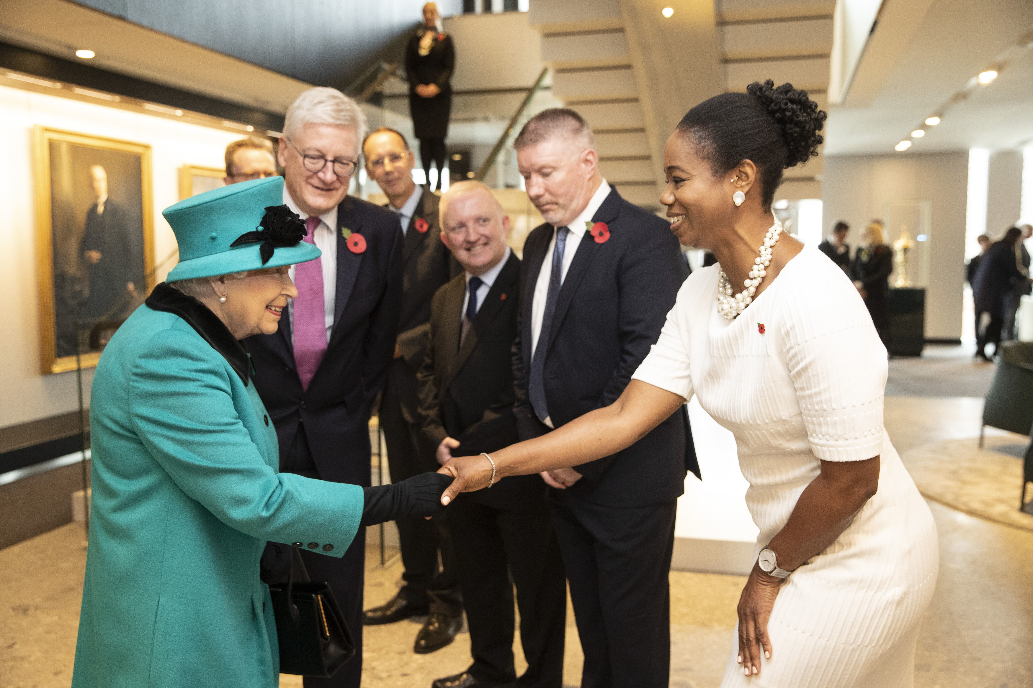 The Queen meets Schjroders Staff