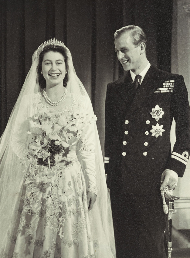 c9c0bef198b 34. Princess Elizabeth s outfit was completed with ivory duchesse satin  high-heeled sandals