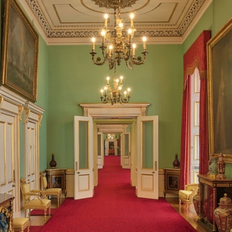 Decant Of The East Wing At Buckingham Palace