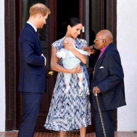 Arch meets Archie!  This morning The Duke and Duchess were honoured to introduce their son Archie, to Archbishop, Desmond Tutu and his daughter, Thandeka.  The Archbishop, a globally respected figure in anti-apartheid movement, is one of the world's great champions of equality, and has spent his life tirelessly battling injustice.  Their Royal Highnesses have joined The Archbishop and Thandeka to learn more about the work of The Tutu and Leah Legacy Foundation, and see first-hand how they are focussing on global awareness of the critical issues affecting the world.  #RoyalVisitSouthAfrica • Photo ©️ Reuters