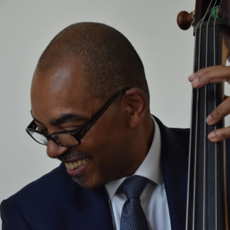 Congratulations to Gary Crosby - this year's winner of The Queen's Medal for Music and the first jazz musician to be awarded the honour. . As well as being a composer and double-bassist, he is also co-founder of @Tom_Warriors, which champions emerging new jazz artists. . . . . The band: Double bass: Gary Crosby 🥁 : @mosesboydexodus 🎷 : @cammyg1 🎺 : @dylanjonesez 🎹 : @roellaoloromusic