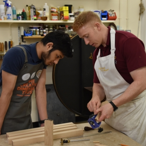 🔨 Buckingham Palace last week hosted a @thecreativedimension Trust (CDT) furniture and woodworking course.  CDT offer fully funded workshops to young people interested in pursuing careers where precise hand-eye coordination and craftwork are key.  For the fourth year, students were welcomed to the Palace and last week Eva, Arif and Zari worked hard to create beautiful side tables, complete with individually designed tabletops. 🎥 Watch this video to see how they got on!