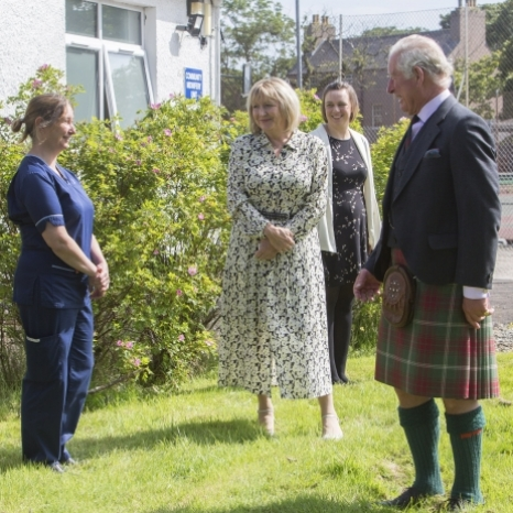 The Duke of Rothesay has visited Caithness General Hospital in Scotland to meet staff and thank them for their work throughout the Coronavirus pandemic.   HRH heard about the challenges staff have been facing and spoke to workers across a number of health and social care roles. 💙  @nhs_highland