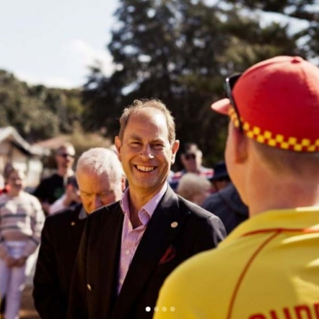 🌊 On Saturday, The Earl of Wessex met young people working to achieve their #DofE @international_award with @slsaustralia, Australia's major water safety, drowning prevention and rescue authority.  The International Award is celebrating its 60th anniversary in Australia this year 🎉🇦🇺 Since its inception in 1959, over 775,000 young Australians have completed the Award.  Follow the link in our bio for more on #RoyalVisitAustralia!