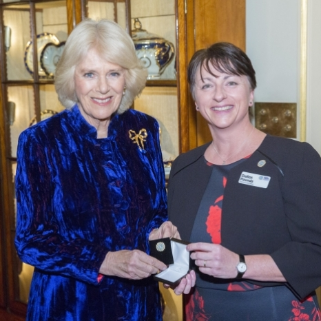 The Duchess of Cornwall recently held a reception at Clarence House for @royaltrinityhospice staff, supporters, volunteers and people who have been helped by the charity.  The Royal Trinity Hospice is based in Clapham, London, and is the oldest hospice in the country.  HRH has been Patron of the hospice for over ten years.  During the reception, The Duchess was presented with an enamel pin in the shape of Trinity's new logo.