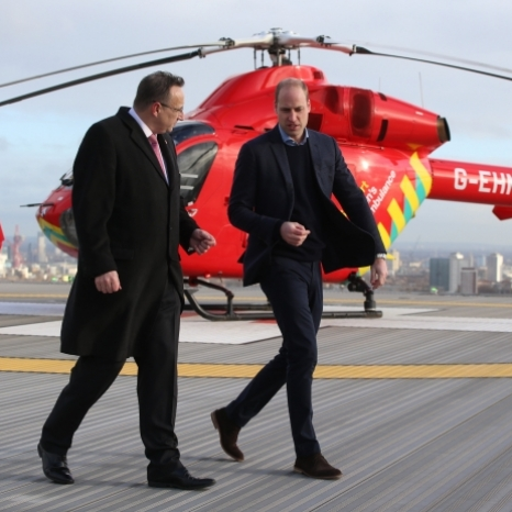 🚁 The Duke of Cambridge, #30YearsSavingLives Patron, visited Royal London Hospital to learn more about the challenges @LDNairamb face in their life saving work as a first responder in the capital.