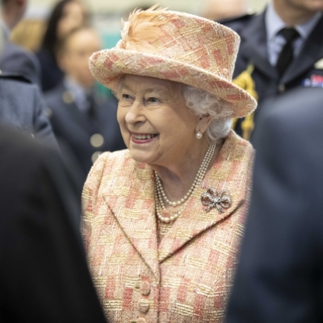✈️🎖The Queen, Honorary Air Commodore visited @rafmarham in Norfolk today.  The Royal Family have long supported the air base. Swipe ➡️ to see a photograph of Queen Elizabeth The Queen Mother visiting personnel in 1988.  RAF Marham is a military airbase, with over 3600 working personnel. The airbase provides engineering support across the RAF and is home to the F-35B Lightning, a military aircraft.  The Queen visited the Integrated Training Centre, which provides future pilots with thorough training and enables them to qualify as a Lightning Plane pilot.  Her Majesty watched a demonstration of simulation-based training. This special training enables new pilots to practice flying planes without being in the air.