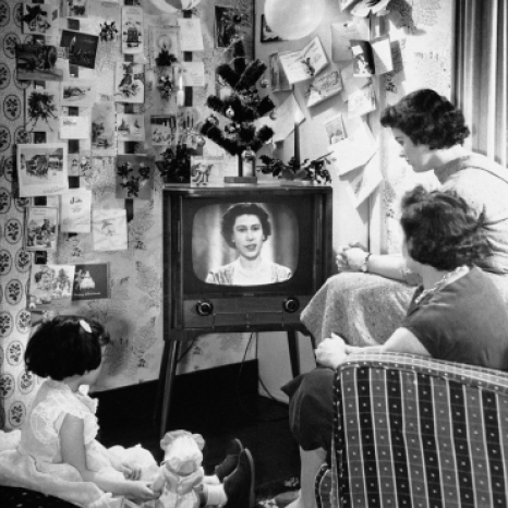 """1957 saw The Queen's first televised Christmas message, broadcast live from the Long Library at Sandringham, Norfolk.  The Queen's grandfather, King George V broadcast the first Christmas message in 1932. The text for King George's speech was written by poet and writer Rudyard Kipling and included the words, """"I speak now from my home and from my heart to you all."""" . Follow #ARoyalChristmas throughout December 🎄 and watch the 1957 broadcast in full via the link in our bio ✨"""