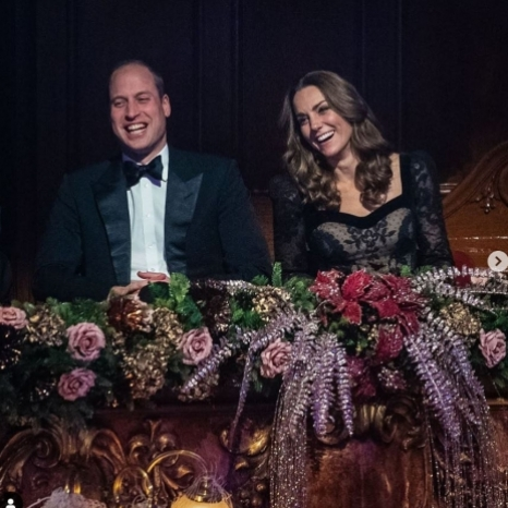 The Duke and Duchess of Cambridge watched last night's Royal Variety Performance at the London Palladium before meeting performers onstage.  The event is held each year in aid of the Royal Variety Charity helps those in need who have worked professionally in the entertainment industry, either behind-the-scenes or as performers.  The charity owns and manages its own residential and nursing care home for elderly entertainers - Brinsworth House in Twickenham, which was visited by The Duchess of Sussex in 2018. 📸 Press Association