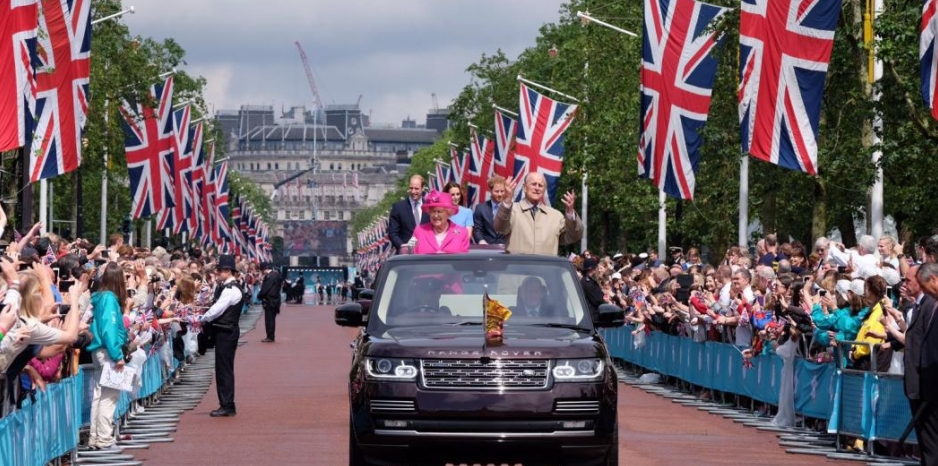 About Her Majesty The Queen - Royal uk