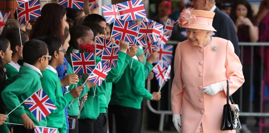 the queen celebrates the 175th anniversary of the first royal train journey
